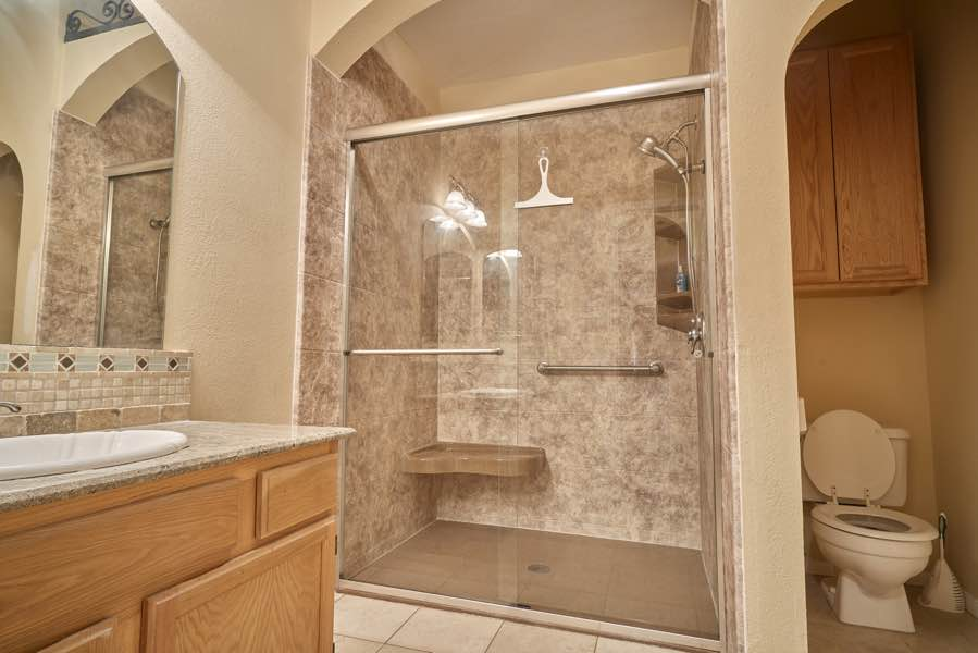Houston TX Bathroom Remodeling Bath Remodelers - Bathroom renovation houston